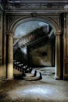 Villa Baltarzar |  via: Musetouch Visual Arts Magazine