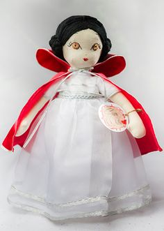 Snow White Handmade Collection Cloth Dolls by by Manolitas ♡ Doll Patterns, Art Dolls, Doll Clothes, Fairy Tales, Snow White, Textiles, Disney Princess, Handmade Gifts, Collection