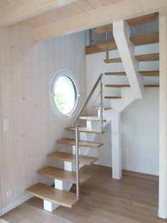 Escalier limon central blanc marches bois