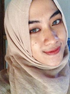 #selfie #hijabers #softlens #solotica1 #lovely #smile #indonesia