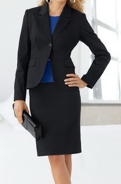 34 Inspiring Business Casual Outfit Ideas for Women To Copy Now An over-the-top outfit isn't acceptable at work. Earlier, casual outfits were intended to be worn just on weekends. Casual Work Outfits in Simple Style There are a lot of… Continue Reading → Business Professional Attire Women, Professional Dress Code, Business Casual Attire, Business Dresses, Business Outfits, Business Fashion, Business Formal, Business Clothes, Business Women
