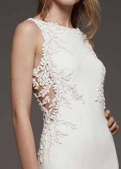 Browse the latest collections from Pronovias wedding dresses & gowns. Bridesmaid Outfit, Wedding Bridesmaid Dresses, Brides And Bridesmaids, Bridal Dresses, Wedding Gowns, Lace Wedding, Pronovias Wedding Dress, Stunning Wedding Dresses, Kleidung Design