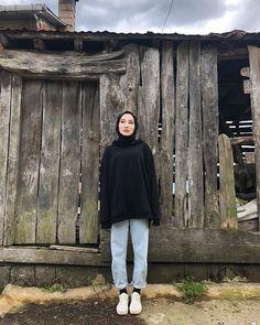 "Ahsen Yılmaz's Instagram profile post: ""considerate"" Hijab Fashion Summer, Modern Hijab Fashion, Street Hijab Fashion, Hijab Fashion Inspiration, Muslim Fashion, Casual Hijab Outfit, Hijab Chic, Sporty Chic Outfits, Hijab Fashionista"