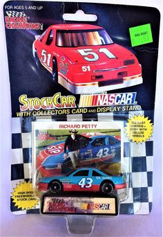 Racing Champions Press Pass 1//64 scale Die Cast Stock Car and collector card and stand limited Edition #21 Elliott sadler