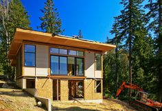 Modular home assembly in Washington that uses Warmboard radiant heating.