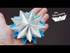 How to make paper stars - paper folding - christmas crafts Easy Christmas Crafts, Simple Christmas, Christmas Flowers, Star Show, Paper Stars, Paper Folding, Post Wedding, How To Make Paper, Artsy Fartsy