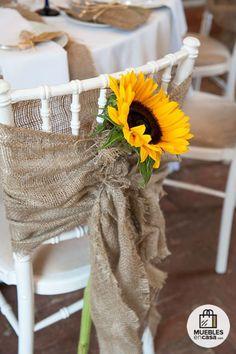90 Cheerful And Bright Sunflower Wedding Ideas - Wedding Places - Boda Wedding Chair Decorations, Wedding Chairs, Wedding Table, Fall Wedding, Diy Wedding, Dream Wedding, Trendy Wedding, Wedding Blog, Wedding Ceremony