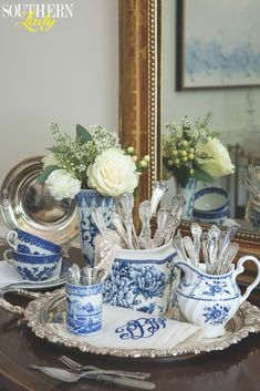 January/February 2019 - Southern Lady Magazine - As entertaining retreats indoors during these frigid months, it's the perfect time to bring out v - Blue Dishes, White Dishes, Blue And White China, Blue China, Dresser La Table, Casas Shabby Chic, Chinoiserie Chic, White Rooms, Ginger Jars