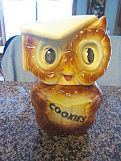 Collegiate Owl Cookie Jar Bisque Pottery, Antique Cookie Jars, Blue Cookies, Vintage Cookies, Ceramic Decor, Dog Treats, Glass Jars, Crackers, Cookies Et Biscuits