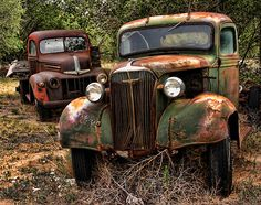 Vintage Pickup Trucks, Vintage Cars, Antique Cars, Abandoned Cars, Abandoned Places, Abandoned Vehicles, Farm Trucks, Old Trucks, Classic Trucks