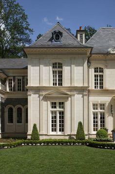 Limestone House, Traditional Exterior, Dream House Exterior, Dream Home Design, House Goals, Exterior Design, Exterior Paint, Future House, Luxury Homes