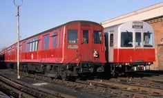 CP Stock & D Stock in Ealing Common depot Metro Subway, Nyc Subway, London Transport, Public Transport, London Underground Train, Tube Train, Paris Metro, S Bahn, London History