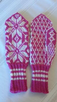 KB Knits & Crafts: Norwegian Mittens for my Granddaughter Norwegian Knitting, Knitting Designs, Mittens, Spinning, Knits, Lanterns, Arts And Crafts, Wool, Sweaters