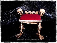 Miniature Skull Stool