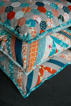 Pretty - love the mix of stripes with the hexagon pillow