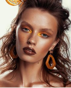Orange Makeup Is The Summer Trend That's Also Perfect for Fall - VIVA GLAM MAGAZINE™ wallpaper diy engine design top 10 wallpapers how to wall decor anime music improveme Beauty Fotos, Beauty Make-up, Beauty Shoot, Fashion Editorial Makeup, High Fashion Makeup, Beauty Editorial, Editorial Make Up, Catwalk Makeup, Runway Makeup