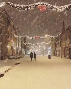 Tromso, Norway⠀ Photo by ⠀. Christmas Scenery, Christmas Feeling, Ribbon On Christmas Tree, Winter Wonderland Christmas, Cool Christmas Trees, Christmas Pictures, Simple Christmas, Beautiful Christmas, Winter Christmas
