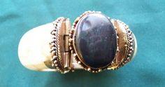 $9.00 Vintage Natural, Oval Chalcedony Center & Goldtone Base Bracelet (102415-1761MS) #Unbranded #Bangle
