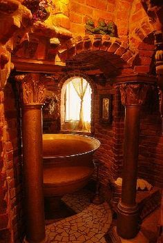 Wing Castle. The bathroom.