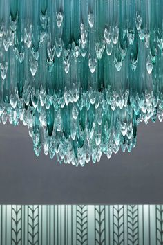 Aqua ~ this would be a gorgeous chandelier Shades Of Turquoise, Bleu Turquoise, Shades Of Blue, Teal Blue, Turquoise Glass, Azul Tiffany, Tiffany Blue, Aqua Color, Color Azul