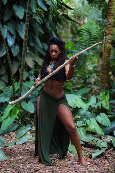 "allbeautifulblackgirls: "" Warrior Queen Model || Naeemah IG: _Naeemahh_ Tumblr: ummm-naeemah Visual Artist || RAdiant Sun IG: RadiantArtistSun """