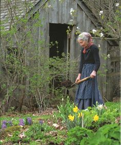 Tasha Tudor was such an inspirational woman . . . I hope to be half the woman she was in my old age. ♥