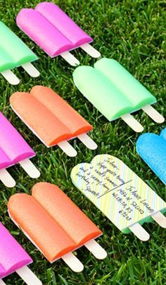 How To Make Pool Noodle Popsicle Invitations/Postcards ~ Easy to make using foam pool noodles, cardboard and wooden craft sticks. These are great for all the summer parties