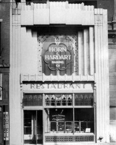 Ate one of these many times in NYC as a kid. A handful of nickels would buy you the worlds best eats. Horn and Hardart Restaurant, 1429 Arch Street -Philadelphia, PA Historic Philadelphia, Philadelphia History, Philadelphia Food, Arch Street, Shop Facade, Best Vacation Destinations, Brotherly Love, Christmas Store, My Heritage