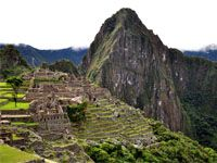 visit Cusco and Machu Picchu know a city made of stone beautifully preserved