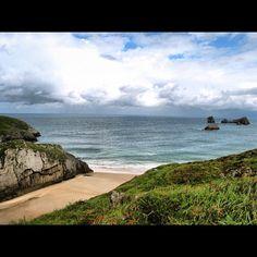 Playa de Portiellu San Martin e Islotes de Poo (Palu de Poo) Llanes Asturias