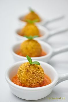 New Years Eve Dinner, Potato Cakes, Mini Foods, Antipasto, Fish And Seafood, Carne, Fish Recipes, Food Photo, Food Inspiration