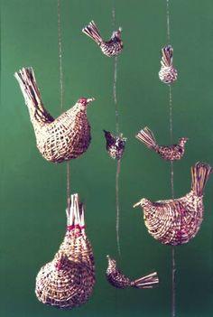 Chilean artesania ❤️ Beautiful Things, Weaving, Sculpture, Christmas Ornaments, Holiday Decor, Ideas, Home Decor, Room Decor, Christmas Jewelry