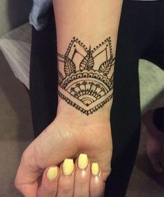 awesome sun tattoo designs for men and women henna m nner und frauen und f r m nner. Black Bedroom Furniture Sets. Home Design Ideas