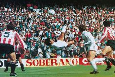 """Gol de """"Chilena"""" de Hugo Sánchez ante Logroñés"""