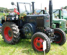 Oldtimer-Tractor URSUS UDSSR by Max Jakob, via Flickr