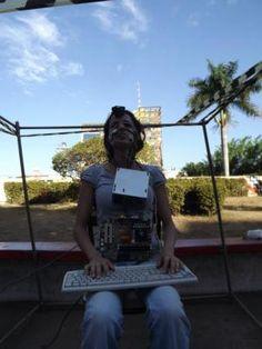 Intervenção realizada pelo artista Alexandre Lucas do Crato/CE em passagem por Cuiabá.