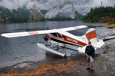Alaska is seaplane country. With the iconic Dehavilland Beaver. Sea Plane, Float Plane, Bush Pilot, Bush Plane, Aircraft Parts, Old Planes, Flying Boat, Civil Aviation, Airplane