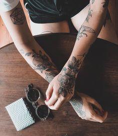 """3,114 Likes, 6 Comments - Mayara Brum (@maybrumm) on Instagram: """"Acho que vi um gatinho . Mais uma tattoo com a maravilhosa @jercoqueiro.tattoo. Pra quem sempre…"""""""