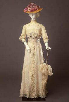 Day dress ca. 1910 From the Galleria del Costume di Palazzo Pitti...