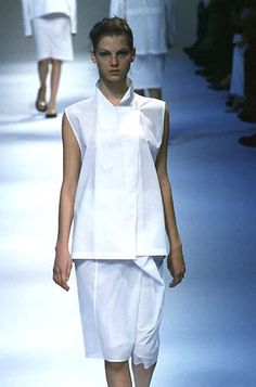 Jil Sander was a popular designer during the 1990s. Her look was very minimalistic which was trend the industry was moving towards at the end of the period, anticipating the Y2K, turn of the century and the overall futurism this would elicit.