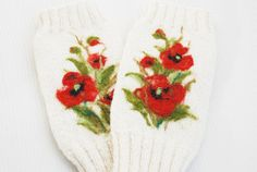 Hannd knitted White Fingerless Gloves with red by MySunsetColor