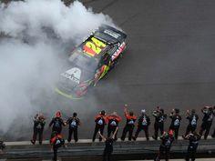 jeff gordon brickyard 400 | Jeff Gordon wins the Brickyard 400 NASCAR race July 27, 2014 at The ...