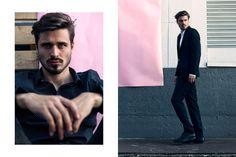 Foto: @maltehellfritz  Model: @addi1995  Post: @matthiasknebel1   #editorial #mensfashion #fashion #photografie #shooting #hafen #rosa #anzug #foto #malemodel