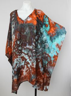 Tie dye poncho One size PLUS ice dye - Arizona Sky crinkle Indie Festival, Festival Fashion, Types Of Textiles, Ice Dyeing, Pretty Shirts, Tie Dyed, Crinkles, Boho Chic, Cool Style