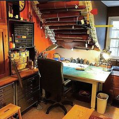 The always amazing and jaw dropping... Repost from @masconleather -  One lonely corner of the leather loft.  #leather #leatherwork #leathercraft #leathergoods #leathertools #maker #craftsman #leatherstudio #leathersmith #altier #leatherworkbench #tooling #stamping #tandyleather #handcrafted #handsewn #handstitched #leathershop #craftool #barryking #alstohlman #csosborne #handmade #handtooled #workshop #leatherworkshop #workbench #vergezblanchard