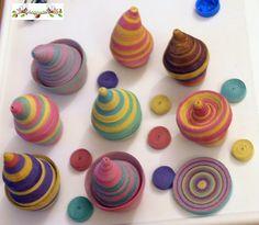 Andairadas: Cajitas hechas con serpentinas Con LINK a TUTORIAL Peppa Pig, Mini Cupcakes, Quilling, Polymer Clay, Desserts, Food, Deco, Craft, Link