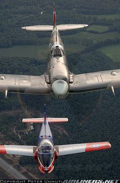 Supermarine 349 Spitfire LF5B aircraft picture
