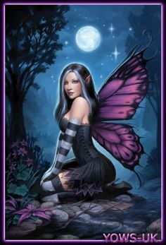 Fantasy art by anne stokes Fairy Wallpaper, Anne Stokes, Fairy Pictures, Gothic Fairy, Beautiful Fairies, Beautiful Fantasy Art, Fantasy Kunst, Fairy Art, Mythical Creatures