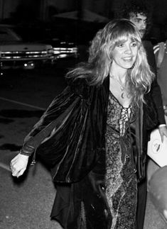 Stevie Nicks 70s, Stevie Nicks Concert, Stevie Nicks Fleetwood Mac, We Will Rock You, 70s Fashion, Playing Dress Up, My Idol, Style Icons, White Witch