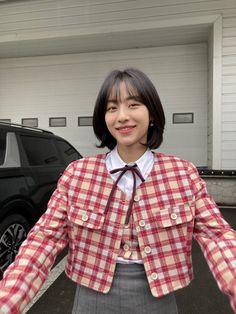 Korean Actresses, Korean Actors, Korean Celebrities, Korean Girl, Asian Girl, Pink Wallpaper Girly, Ulzzang Girl, True Beauty, Girl Crushes